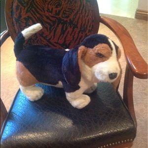 Nwt stuffed toy beagle
